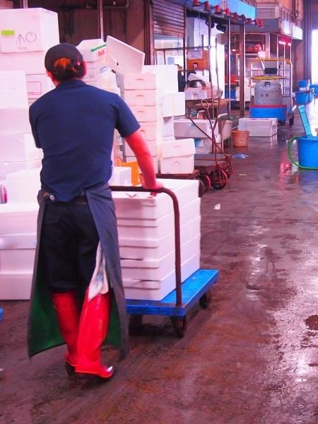 営業(部長候補) 創業34年。水産会社に鮮魚用の箱を届ける老舗です。イメージ1