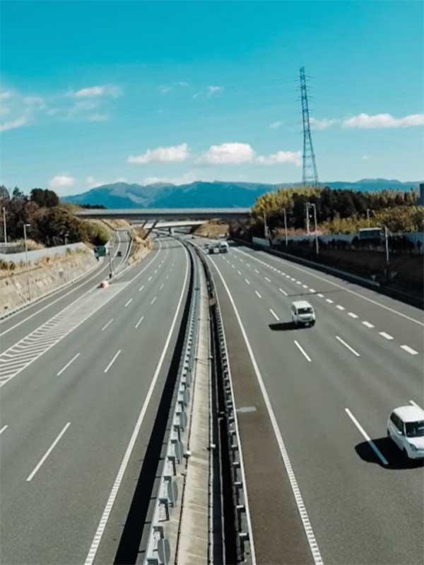 道路や橋梁工事の施工管理 ★転勤や長期出張なし/年3回の長期連休ありイメージ1