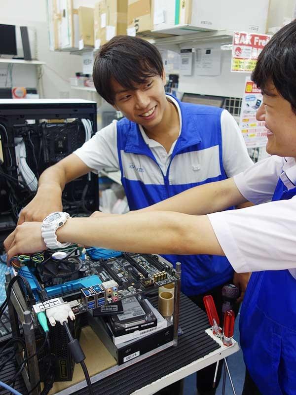 パソコン修理サポートスタッフ ★PCを触るのが好きな人の天職です。イメージ1