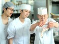 調理スタッフ(伊勢海老料理や鉄板焼など)◎ハレの日の料理をご提供/包丁が使えれば応募OK!2