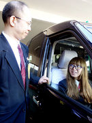 タクシードライバー◎70年の歴史/個室社員寮完備/年収450万円可能/AIナビ・新型車両など設備充実1