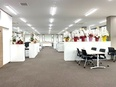 店舗開発営業(月給28万円以上/新規部署の運営がメイン/移転したばかりのキレイなオフィス!)3