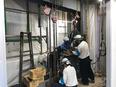 現場スタッフ◎建物などの補強・メンテナンス工事を行ないます/平均月収30万円以上/社員寮あり3