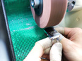 高級腕時計の研磨工(イチから研磨の腕を上げることで、お客様から喜ばれる仕事!)2