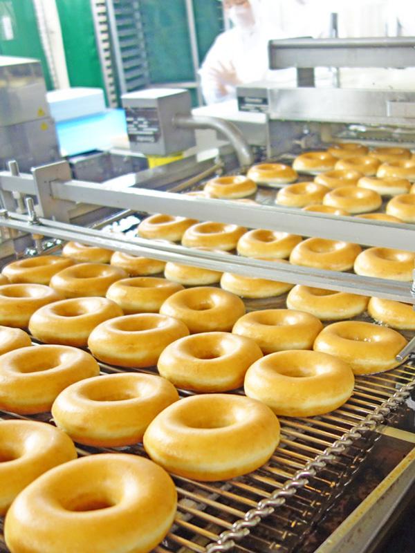 ドーナツ工場の生産管理(未経験OK)★正社員/月10日休み/できたてのドーナツを毎日食べられます!イメージ1