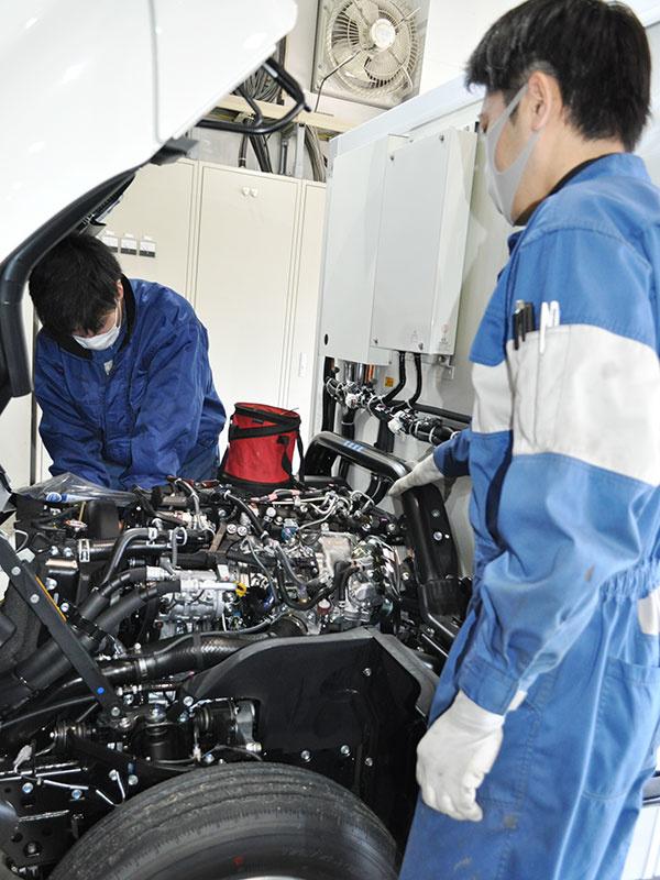 ★特装車をつくる仕事★デンソーのサービスステーション カスタムメカニックイメージ1
