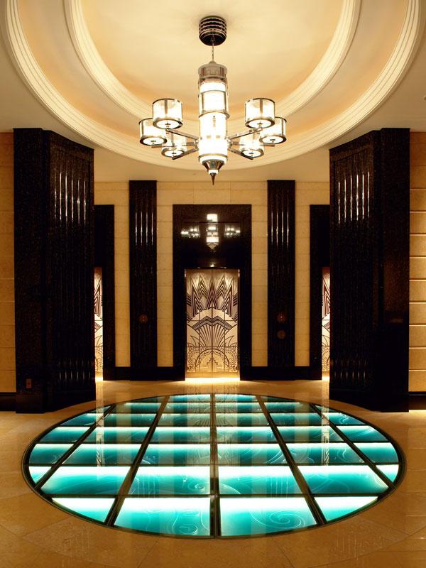 サービススタッフ(完全会員制リゾートホテル内にあるスパ・プールにてお客様の接客を担当)イメージ1