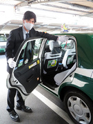 タクシー乗務員◎日曜公休・週休2日/3年定着率95%/昼勤など希望勤務選択可/学校行事も参加可1