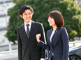 年間休日123日。接客・販売経験を活かして年収1000万円以上が可能/営業3