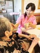 温泉付き老人ホームの介護スタッフ★年休120日|残業月10H程|資格支援制度充実!異業種から転職多数1