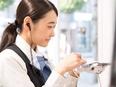 モバイルショップの店舗スタッフ ★平均月収32万円!1ヶ月最大12万円の資格手当★残業月平均10h3