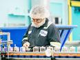 大手高級化粧品の製造生産オペレーター(リーダー候補)★1000名規模の新設工場で最新鋭設備に携わる!3