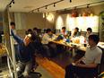 ITエンジニア|自由テーマで楽しく勉強会!学びのシェアで技術格差なし!社員の90%以上が年収アップ!3