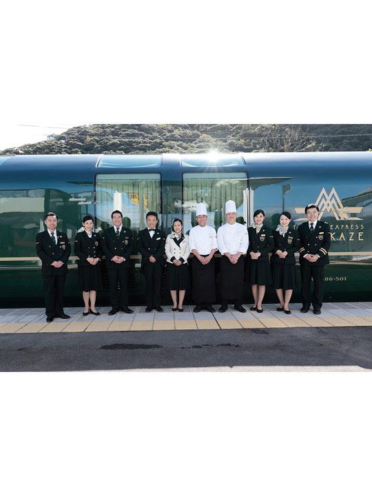 乗務クルー 美しい日本をホテルが走る「TWILIGHT EXPRESS 瑞風」で特別な旅のお手伝いをイメージ1