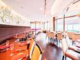 結婚式場・ホテル内のレストランスタッフ│10名の積極採用!業界未経験歓迎!上質なサービスを学べます。2