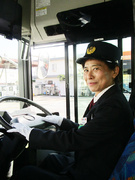 路線バスのドライバー ★手当充実/賞与年3回/大型二種免許取得費用は会社が全額負担!1