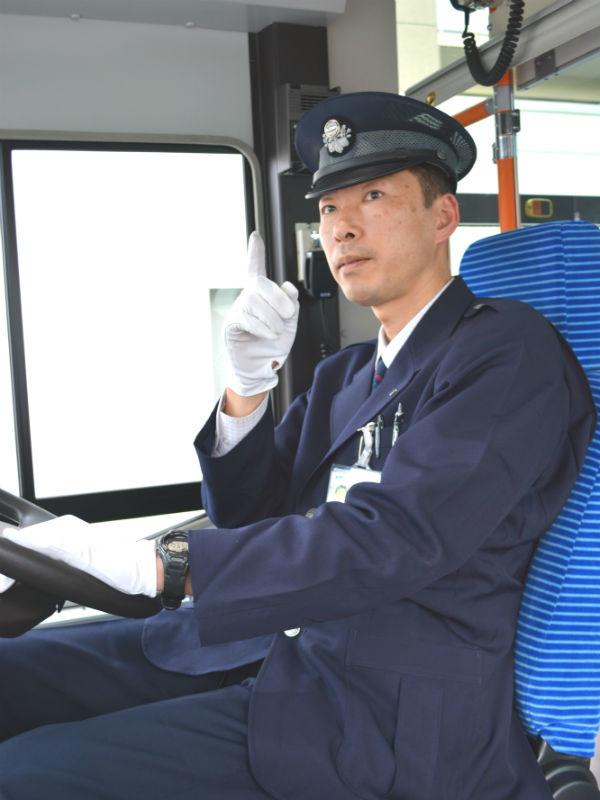 路線バスの乗務員★未経験でも年収400万円からスタートできる/免許取得費用は当グループが全額負担イメージ1