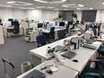 社内SE◎半年~1年での正規職員登用前提/残業月平均20h以内/想定月収36万円以上/賞与年2回2
