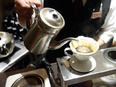空港や駅ナカにあるカフェのスタッフ ☆未経験歓迎/賞与年2回昨年度実績3ヶ月分/家族手当など3
